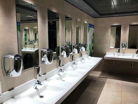 Accessori bagni pubblici for Arredo bagno hotel